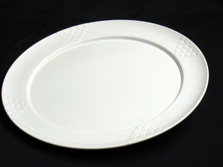 TRAY - IVORY 20in ROUND