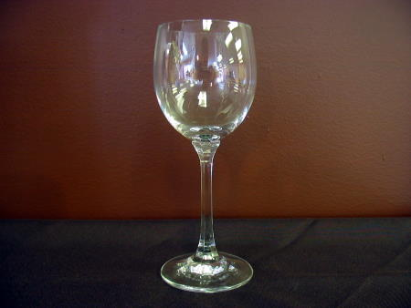 WINE GLASS 9oz